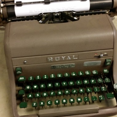 Royal KHH Desktop Typewriter