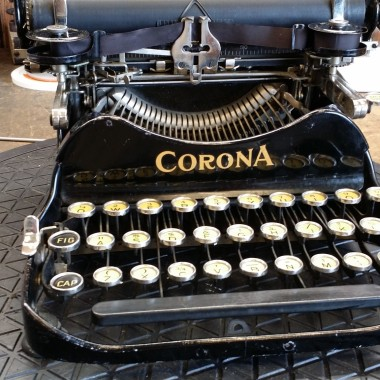 Corona 3 Portable Typewriter
