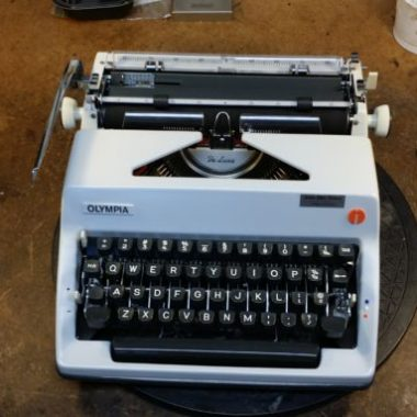 Olympia SM 9 Portable – For Sale $350