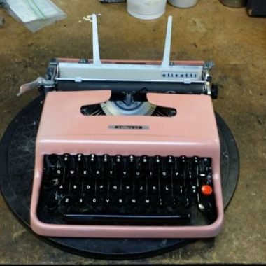 Pretty in Pink; Lettera 22 from the Mid 1950's