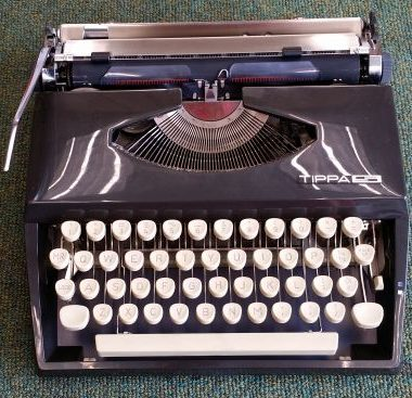 Adler Tippa S Portable; Cursive – For Sale $285