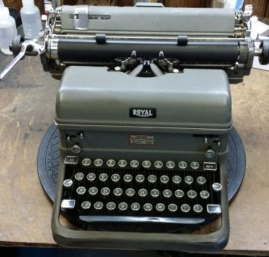 Royal KMM Desktop from 1948… Dropped!