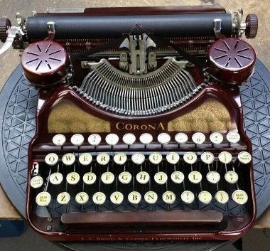 Maroon and Gold Corona 4 from 1929