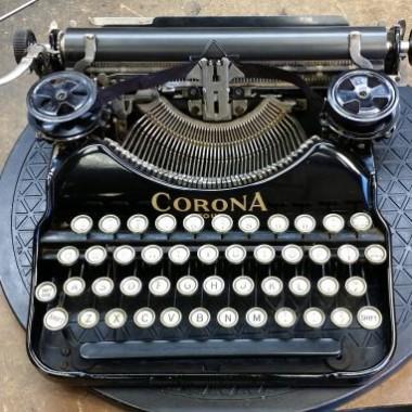 Corona 4 from 1926