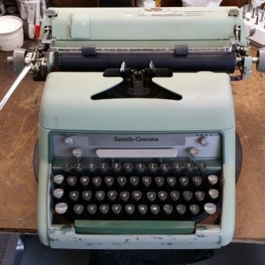 Minty Green Smith-Corona #88 Desktop – For Sale $210
