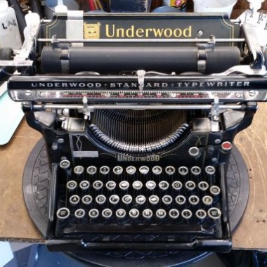 Underwood #3 from 1921 with Cursive Type Face