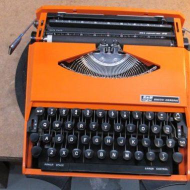 Zoom zoom, Varoom! Karman Ghia Typewriter